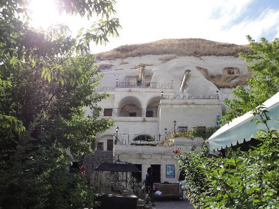 Lalezar Cave Hotel: エントランスから