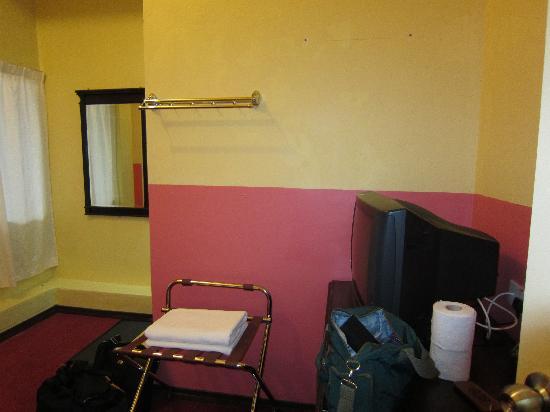 Tudor Home Inn: Room View 2