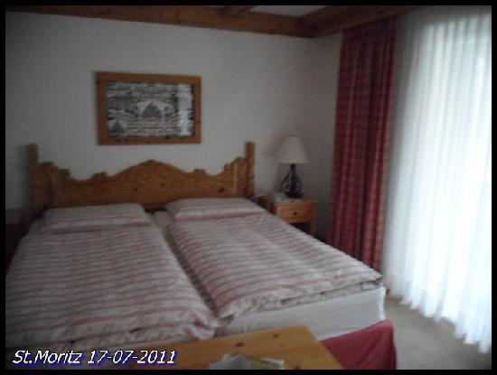 Crystal Hotel: triple bed room