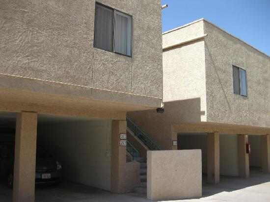 Havasu Dunes: Parking was located directly under out unit.