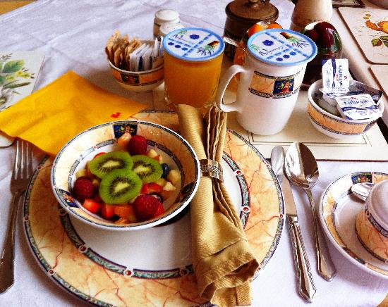 Ballater, UK: Beautiful Breakfast Table