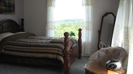 Wildwood Bed & Breakfast: South Room