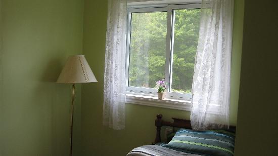 Wildwood Bed & Breakfast: West room