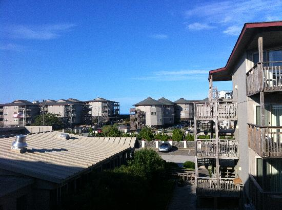 Outer Banks Beach Club: View from second level, Unit 17