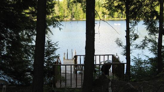 Wildwood Bed & Breakfast: secluded lake
