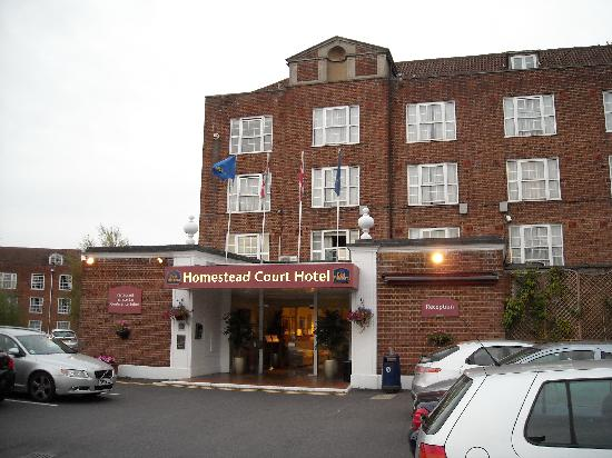 Best Western Welwyn Garden City Homestead Court Hotel: вид на отель