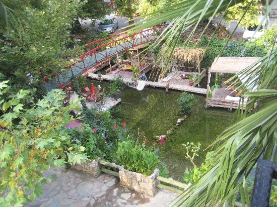 Arikanda River Garden Restaurant: Tranquilty