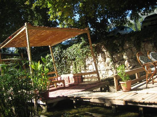 Arikanda River Garden Restaurant: Peace and quiet
