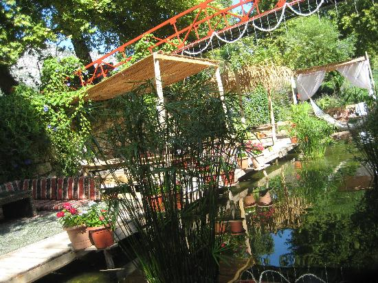 Arikanda River Garden Restaurant: Serenity