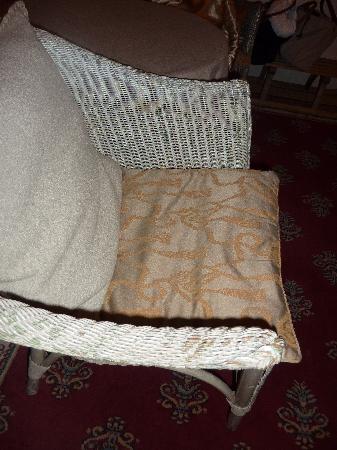 Le Clos Bourdet: les fauteuils plus qu'usagés