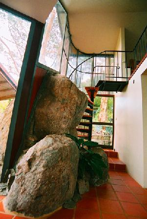 Hallowell Springs : Rock Studio