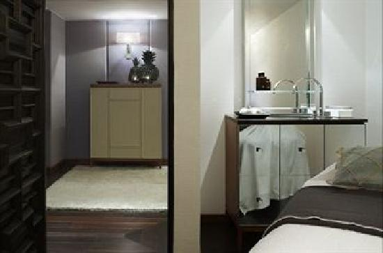 Las Alcobas: Enjoy a massage or other treatment at Aurora Spa at our hotel