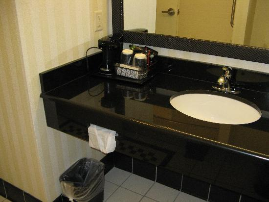 Fairfield Inn & Suites Carlsbad: Bathroom