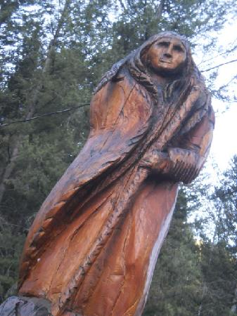 Lost Trail Hot Springs Resort: One of many outdoor sculptures