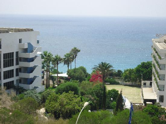 Bella Napa Bay Hotel: view from hotel onto sea
