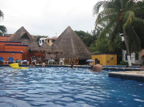 Real Playa del Carmen: Looking from the pool