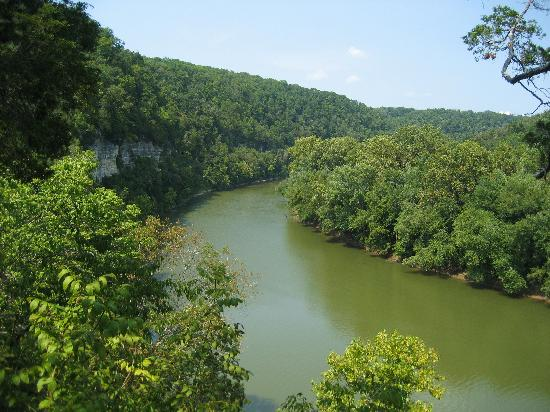 Raven Run Nature Sanctuary: View of the Kentucky River from the lookout point