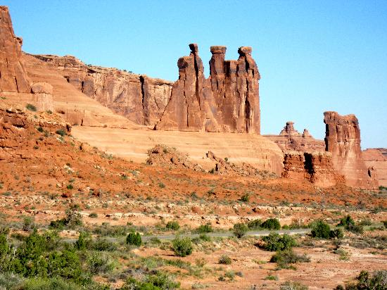 La Quinta Inn & Suites Moab: One of the many rock formations at Arches National Park