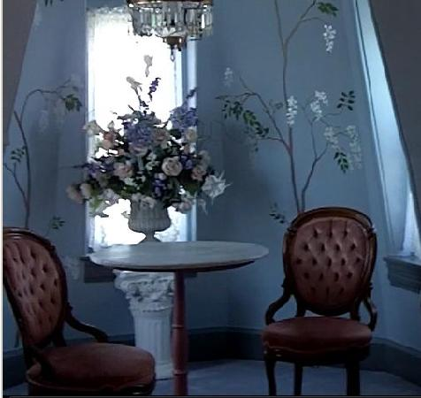 Columbia House: I wish I had time to sit down and have tea. A lovely alcove in the Turret suite