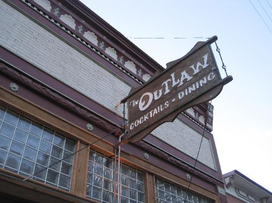 Outlaw Restaurant: the sign