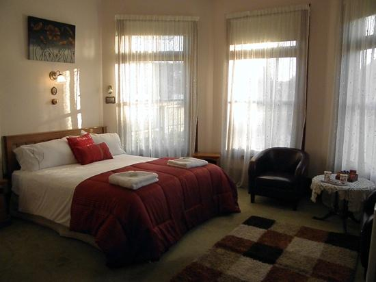 Collingwood Manor Bed and Breakfast: one of the guest rooms