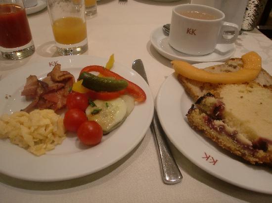 K+K Hotel Cayre: 朝はシャンパン付