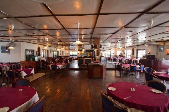 Anghiti Restaurant: Interior