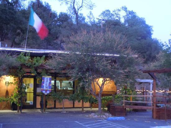 Outside photo of Cucina Italiana