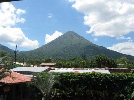 Hotel Bijagua: View of Volcan Arenal from 2nd level