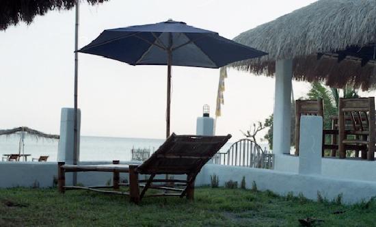 Beach Club Cagpo: Cabana Bar