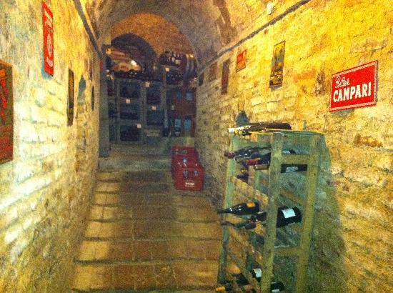 Osteria Ophis: la cantina sotterranea