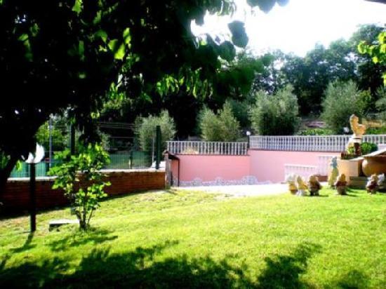 B&B Tre Metri Sopra il Cielo: giardino 2