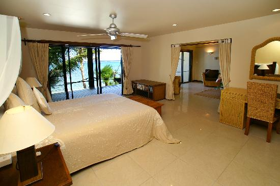 Rendezvous Villas: Bedroom To Deck