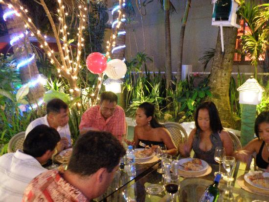 La Reserve Beach Hotel: restaurant jardin