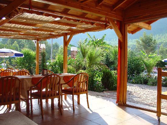 Margarita Hotel: Dining area