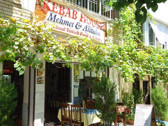 Mehmet and Ali Baba Kebab House: La facciata