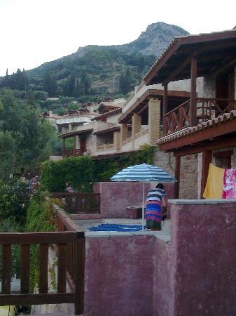 Lithina Villas Villa Hanna: conjunto de adosados visto desde villa hanna