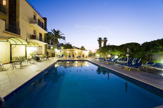Hotel Terme Principe: Piscina di notte
