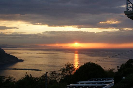 Mirador de Ulia: anochecer desde su terraza