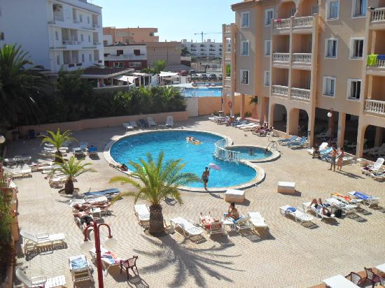 The Beach Star Ibiza: piscina
