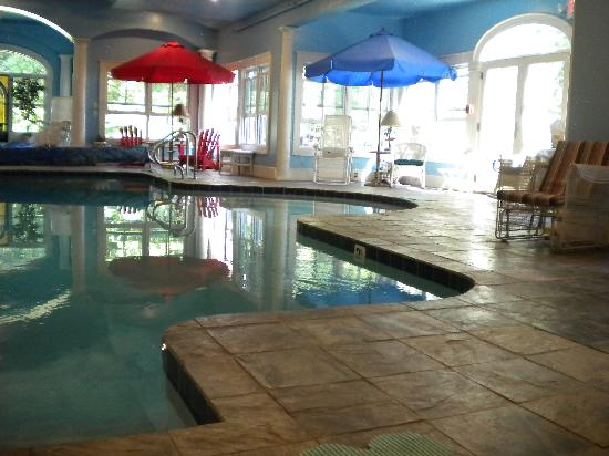 Maple House Inn Bed and Breakfast: Indoor heated pool