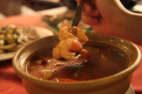 Patong Seafood: tom yum