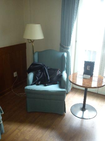 Elite Hotel Residens: comfy chair