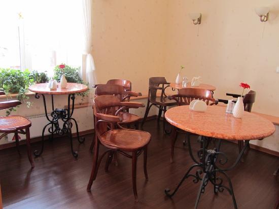 Nevskiy Central Hotel: Lovely breakfast room