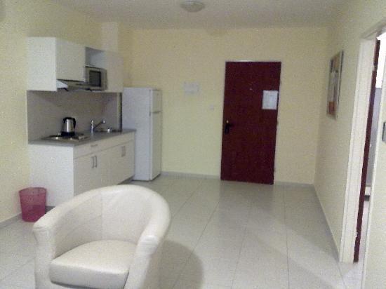 Aparthotel Praia Paraiso: Kitchen