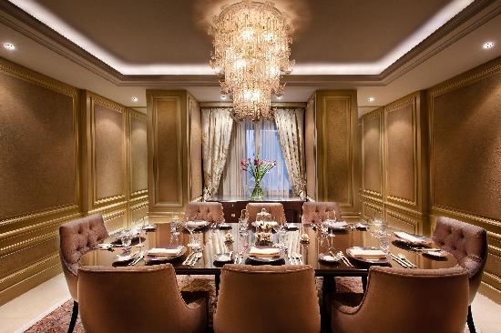 โรงแรมเคมพินสกี ไนล์: Dinning Room