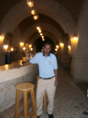 El Wekala Golf Resort: Wael - Pool Bar (apologies for quality but new camera decided to pack up)