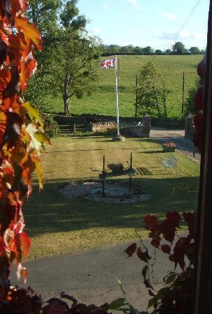 Benhall Farm B & B: View from bedroom window