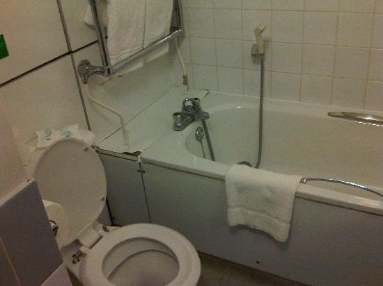 Bathroom Setup Picture Of Victory Services Club London