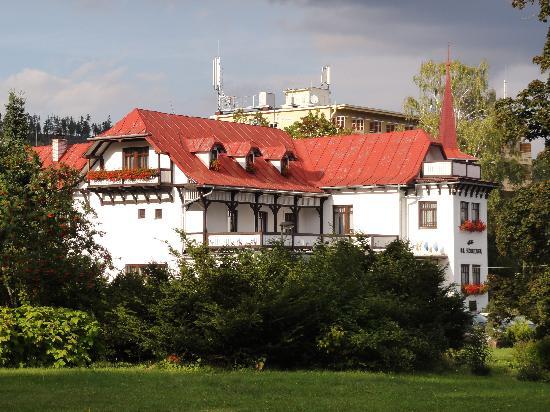 Villa Dr. Szontagh: Villa Szontagh - outer view